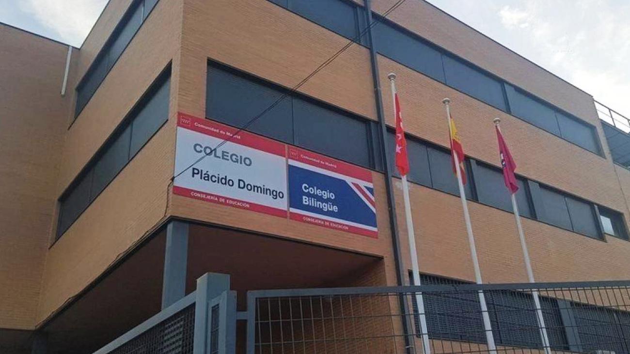 El colegio público 'Plácido Domingo' podría cambiar de nombre