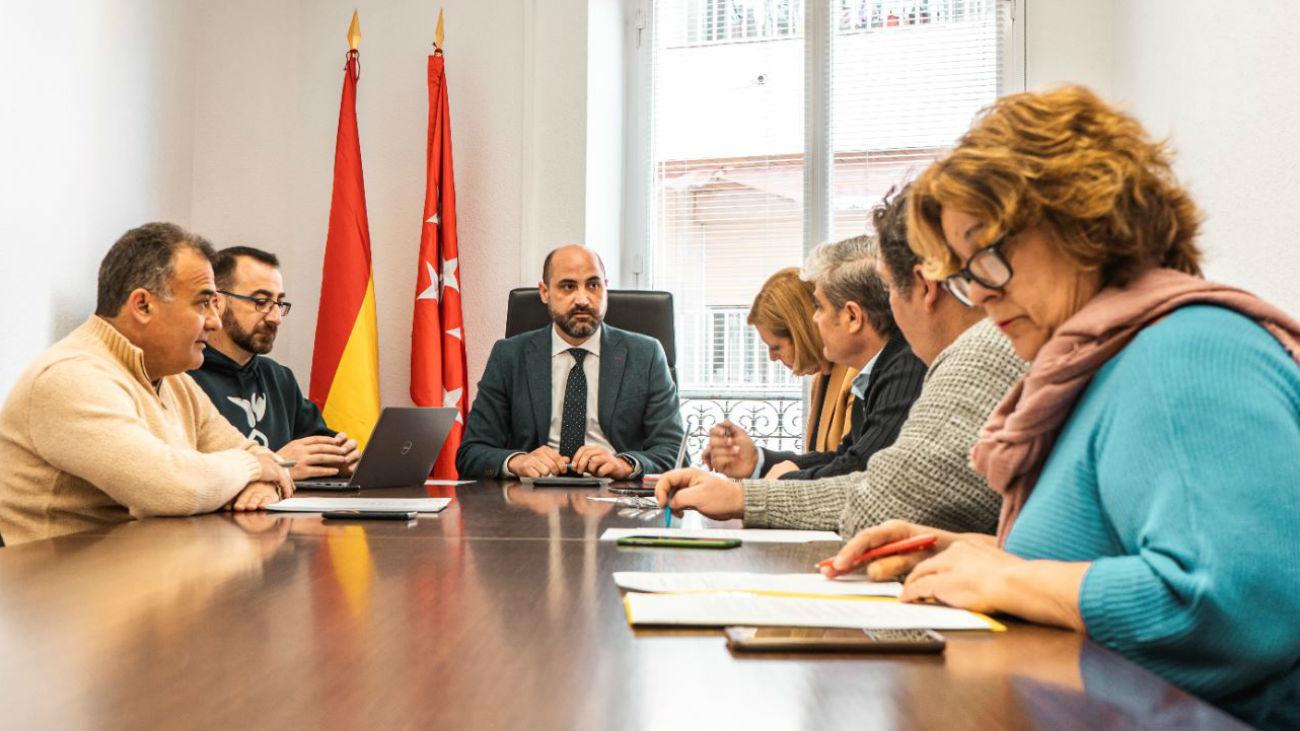 Reunión del alcalde de Colmenar viejo con los portavoces de la oposición