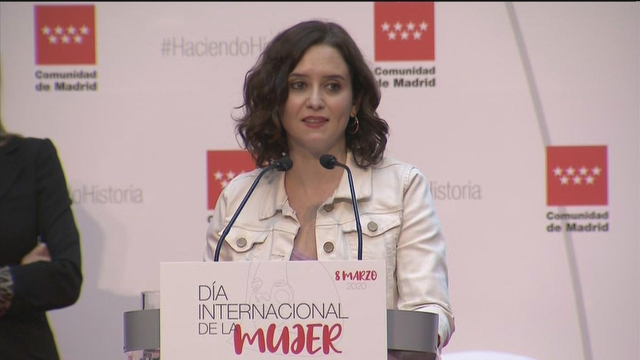 """Díaz Ayuso: """"Las mujeres que hoy galardonamos son decididas y valientes"""""""