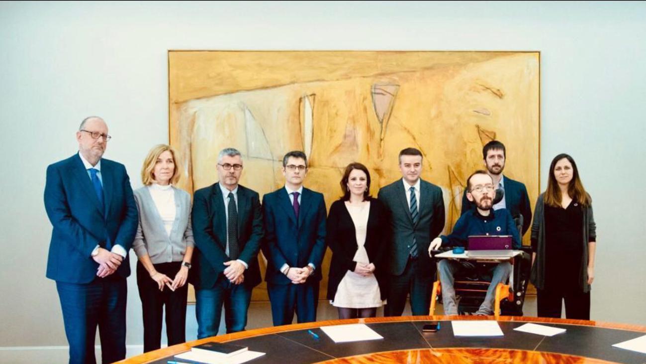 PSOE y Podemos se reúnen para intentar cerrar la crisis de esta semana