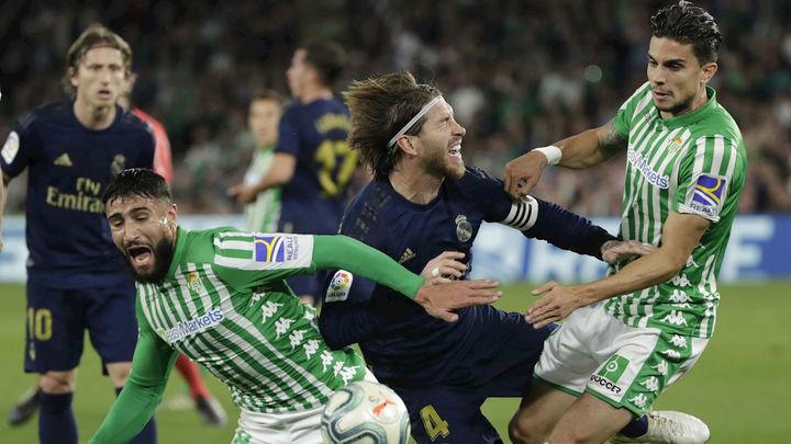 2-1. El Real Madrid cae ante el Betis en un muy mal partido