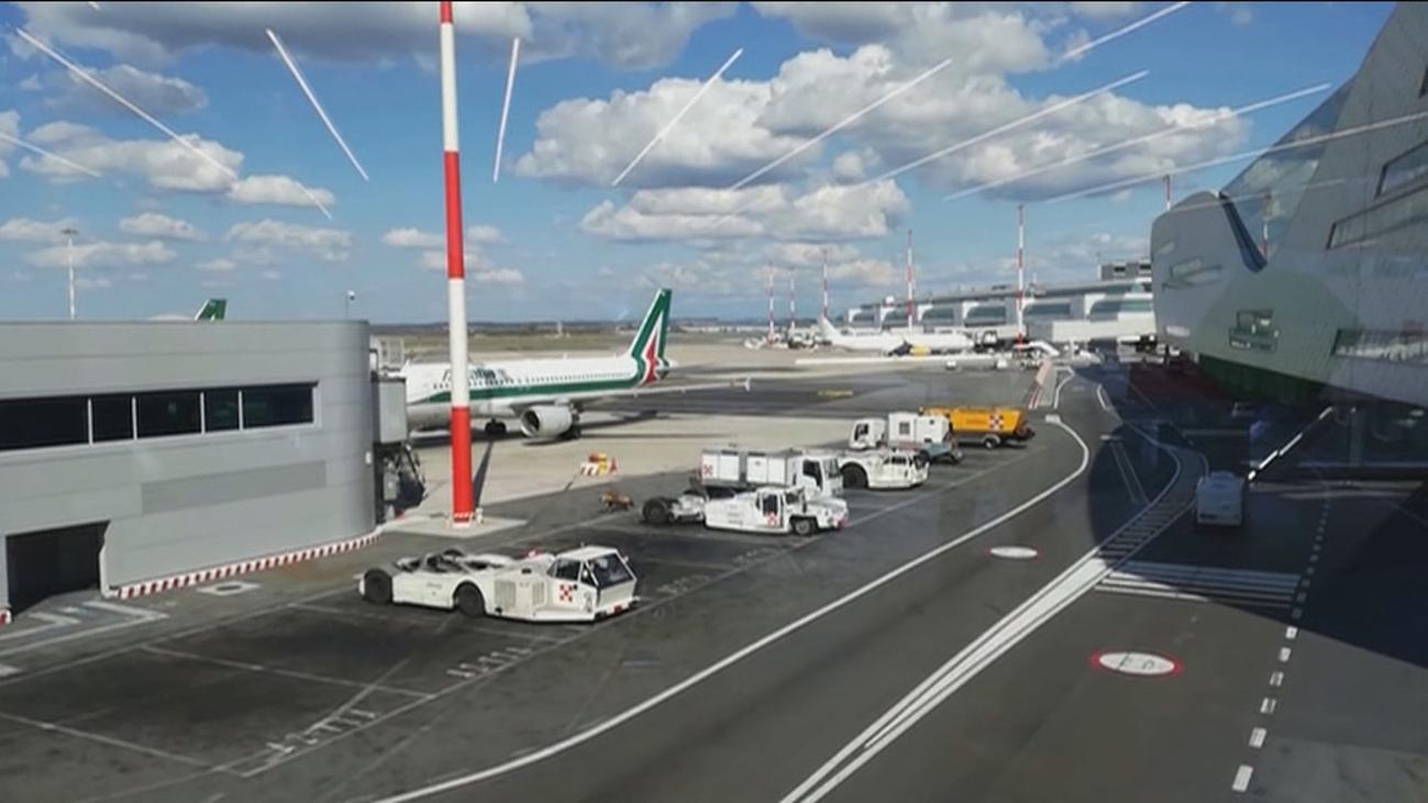 Alitalia suspende los vuelos internacionales desde Milán