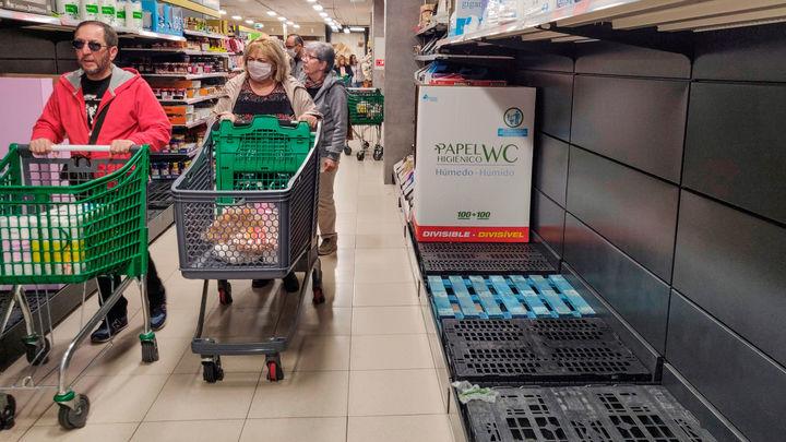 La Comunidad llama a extremar la prevención ante las aglomeraciones en supermercados
