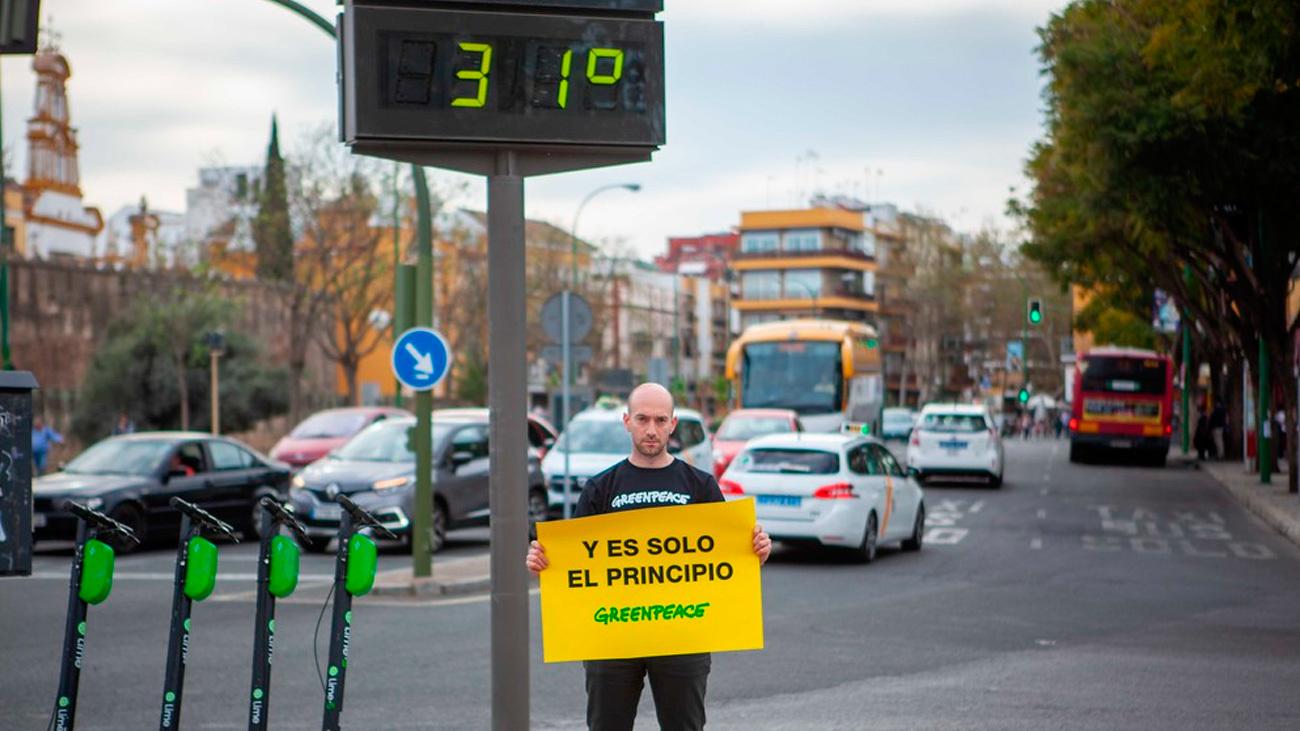 "Greenpeace denuncia la crisis climática con fotos de Sevilla a ""31 grados"" en marzo"