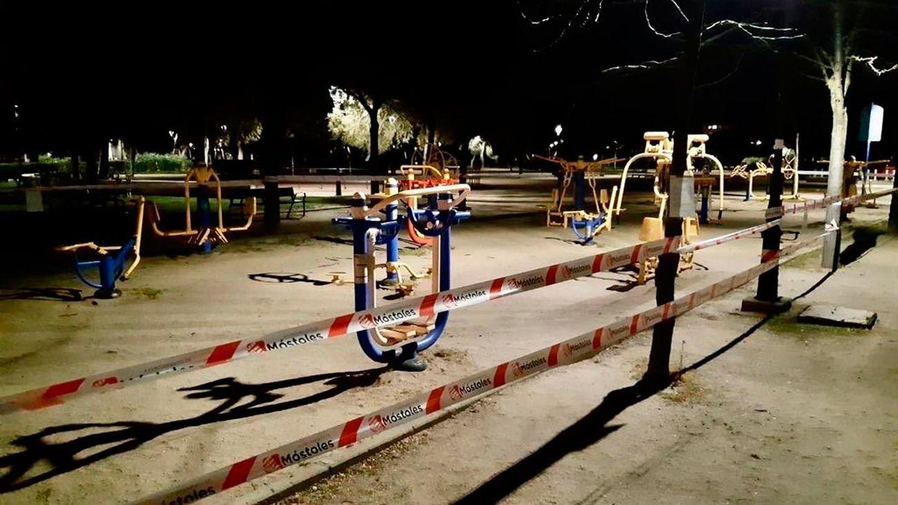 Parque infantil de Móstoles cerrado por la alerta de coronavirus