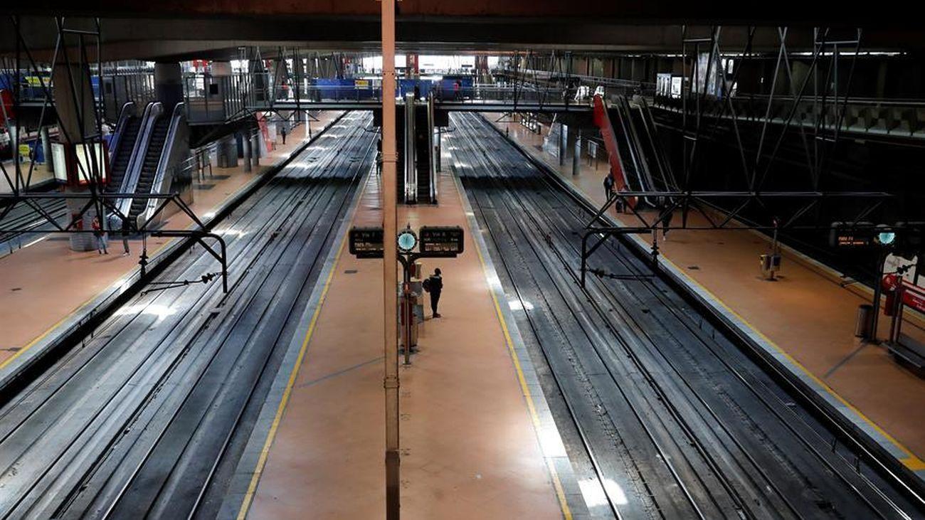 Los andenes de Atocha, sin gente