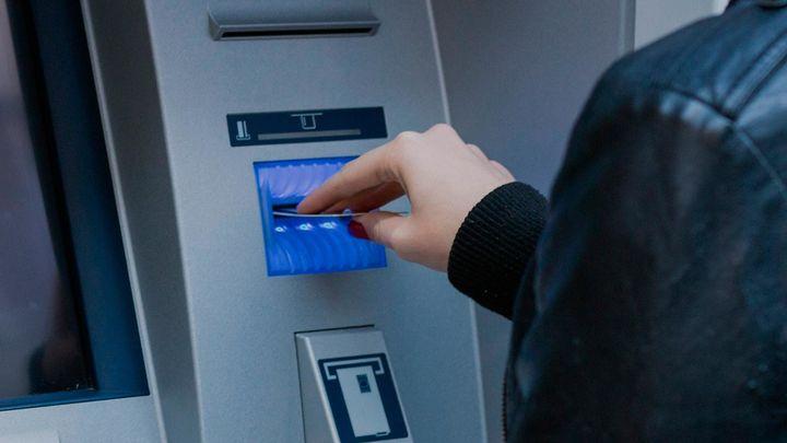 """""""La forma más fácil de escapar de las comisiones... es cambiar de banco"""", dicen los expertos"""