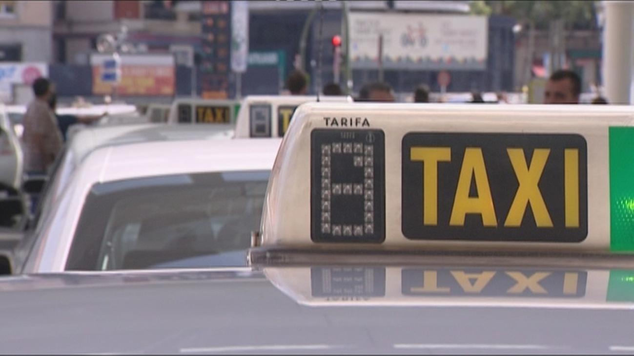 Madrid reduce los taxis a la mitad y suspende patinetes y Bicimad