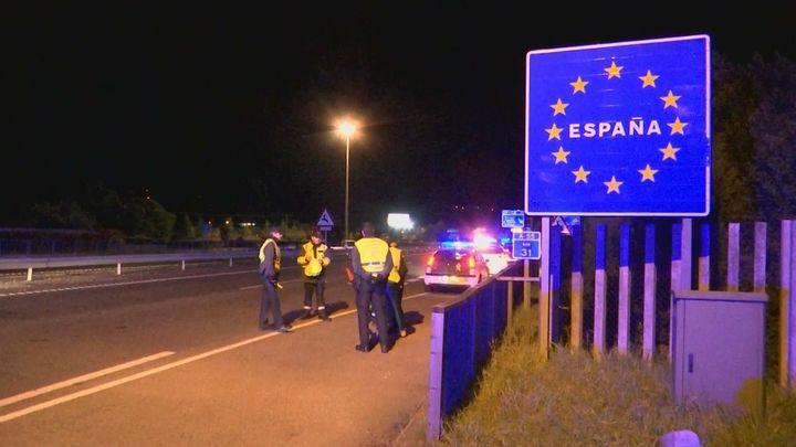"""España no abrirá sus fronteras con la UE hasta """"finales de junio"""""""