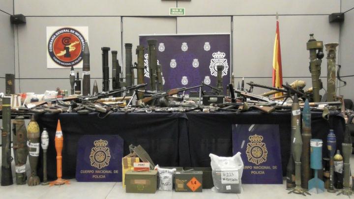 Intervienen un depósito de armas con lanzagranadas y explosivos en Zamora