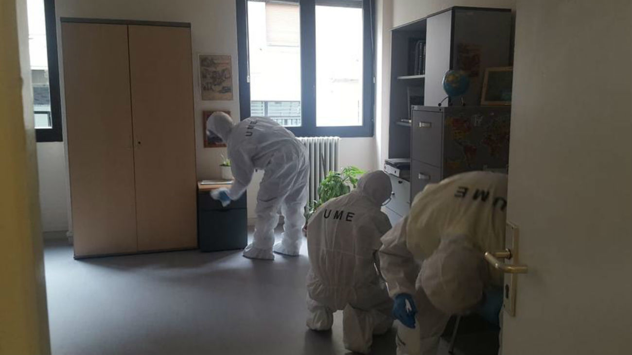 UME desinfectando instalaciones