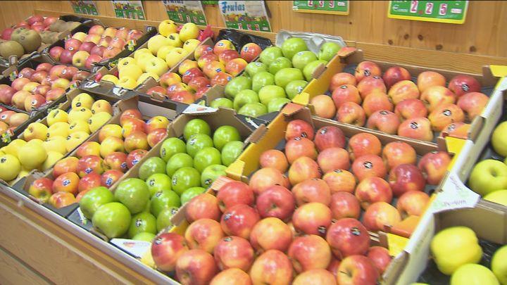 Un total de 26 mercados municipales de Madrid reparten más de 1.800 kilos de fruta a 20 hospitales
