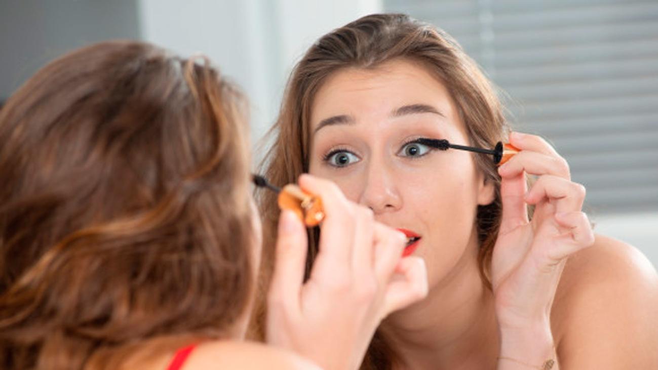 Maquillaje y cremas, ¿favorecen el contagio del coronavirus?