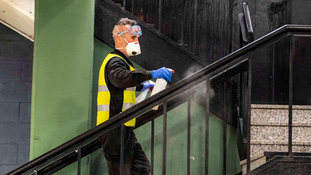 La UME desinfecta las instalaciones de Mercamadrid