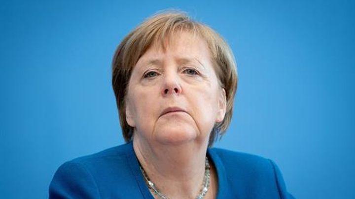 Merkel se aísla en cuarentena domiciliaria, pero sigue al frente de la gestión del coronavirus