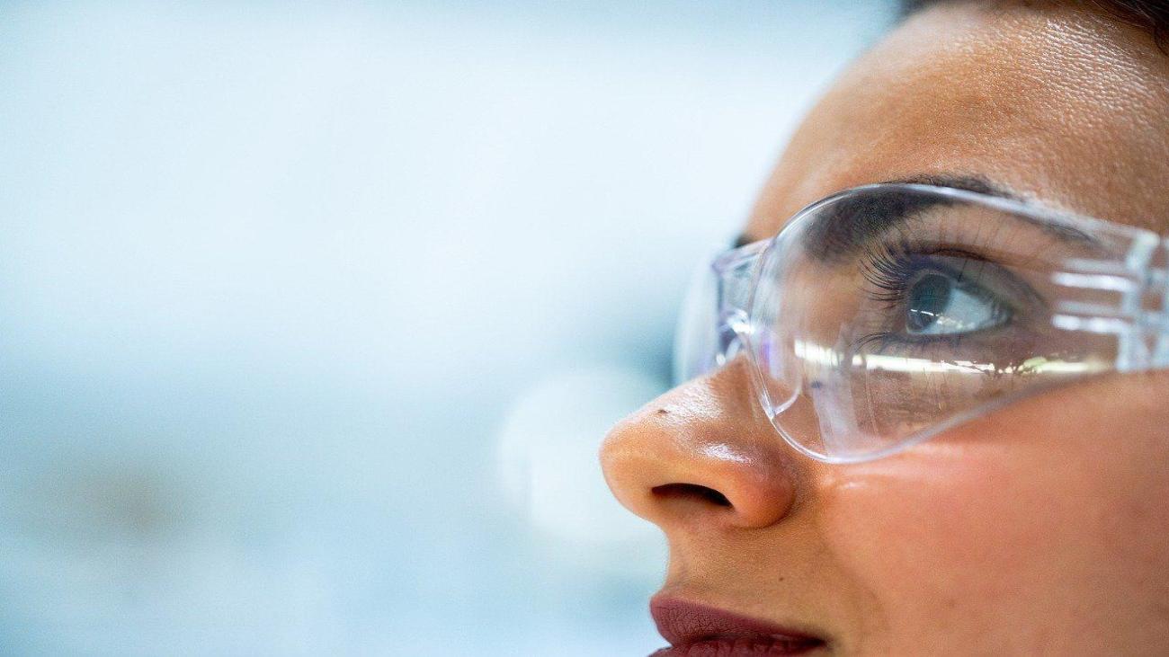 Inician la producción de más de 30.000 gafas protectoras para donarlas