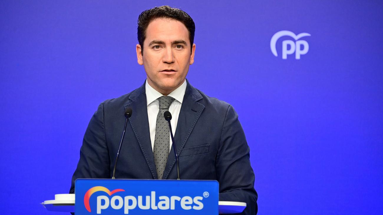"""El PP reprocha """"improvisación"""" al Gobierno pero apoya parar la actividad"""
