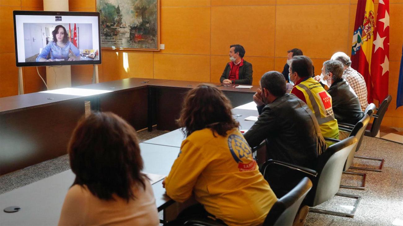 Díaz Ayuso agradece el esfuerzo de los profesionales del Hospital de la Comunidad en IFEMA