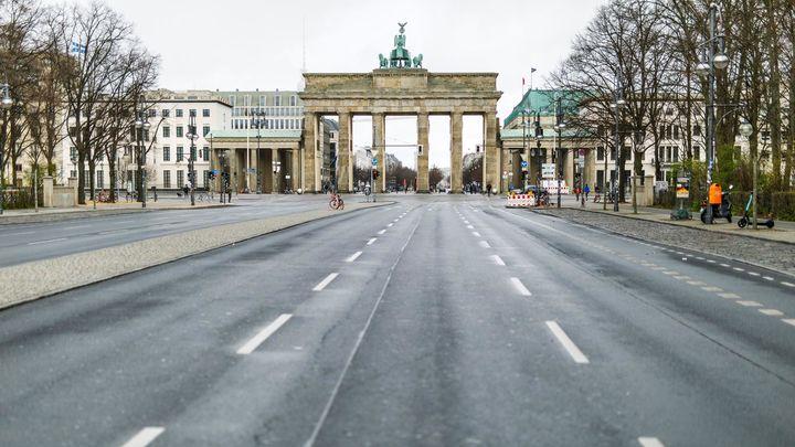 """Alemania decreta un """"confinamiento duro"""" a partir del miércoles"""