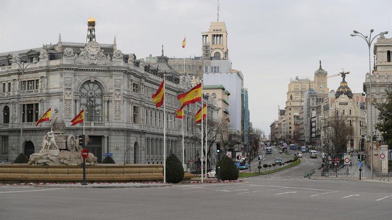 La plaza de Cibeles y la calle Alcalá, vacías por el coronavirus