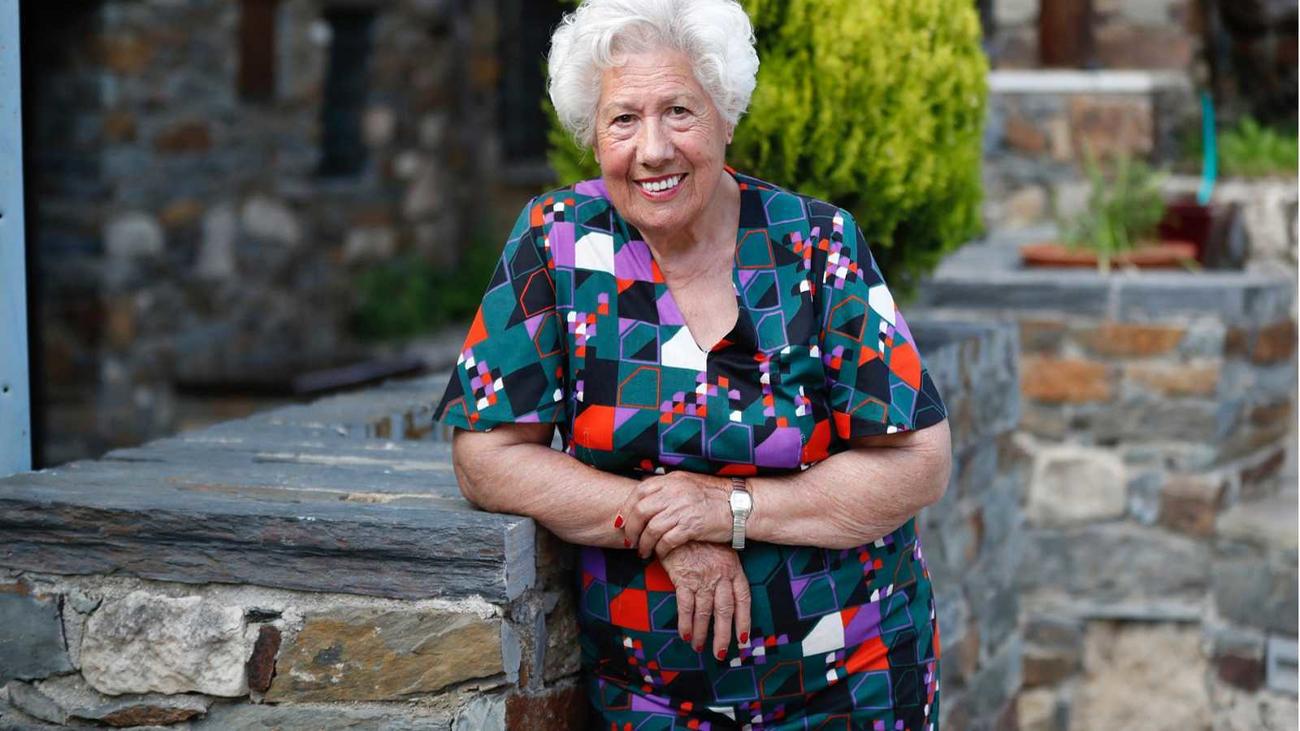 """Charito, la concejal de 96 años de Patones: """"Sigamos las recomendaciones para pasar esta peste tan grande"""""""