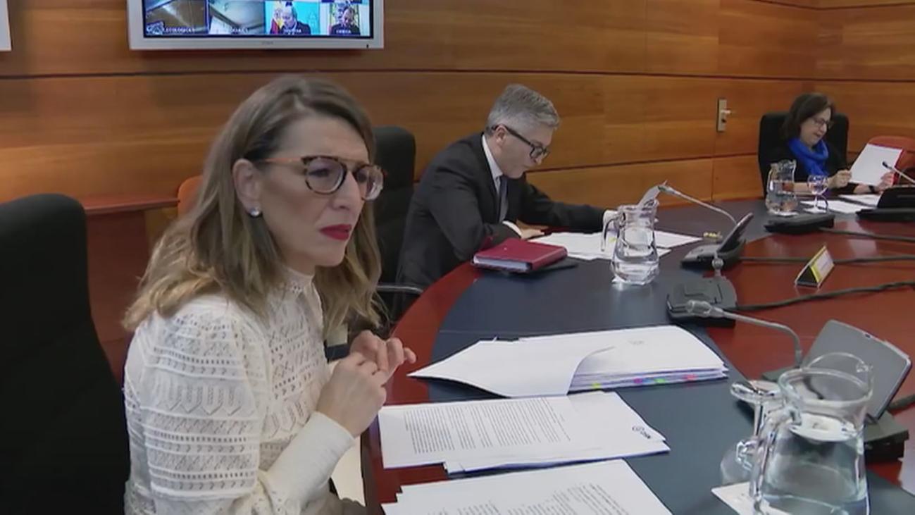 Críticas de partidos y autonomías por la nocturnidad e improvisación del decreto del Gobierno de Sánchez