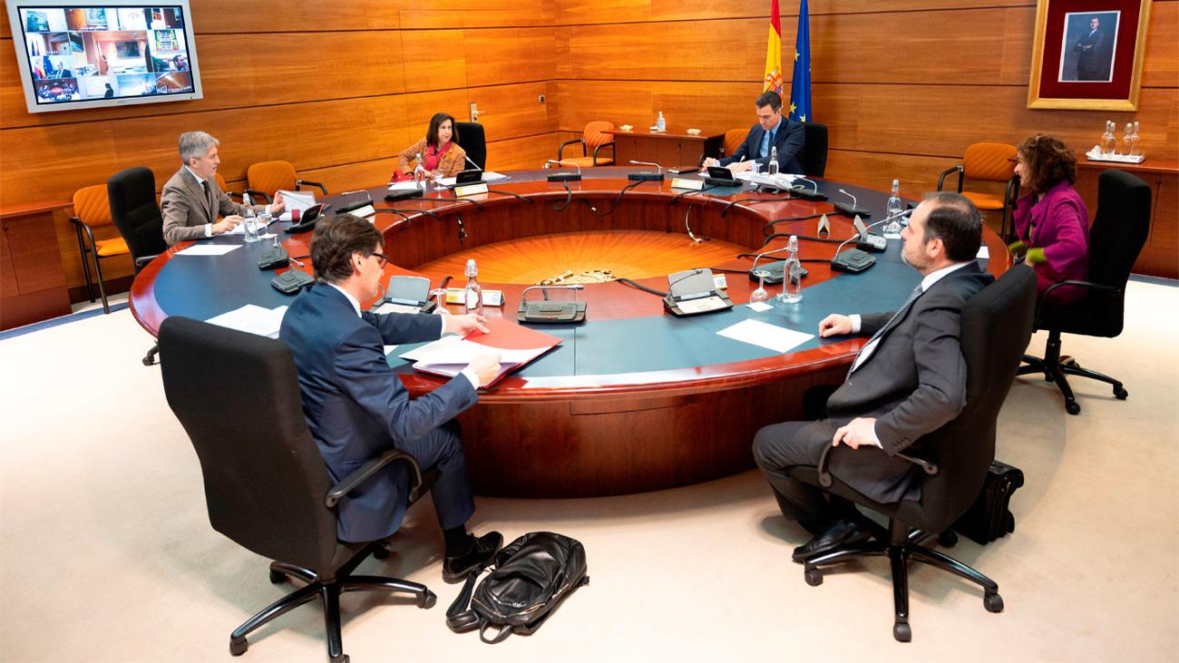 """""""Positivas pero insuficientes"""", reacciones a las nuevas medidas económicas del Gobierno"""