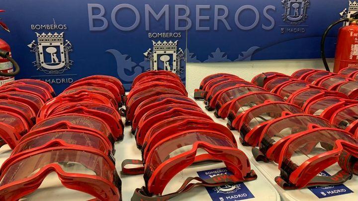 Los Bomberos de Madrid donan 90 gafas forestales para el personal sanitario