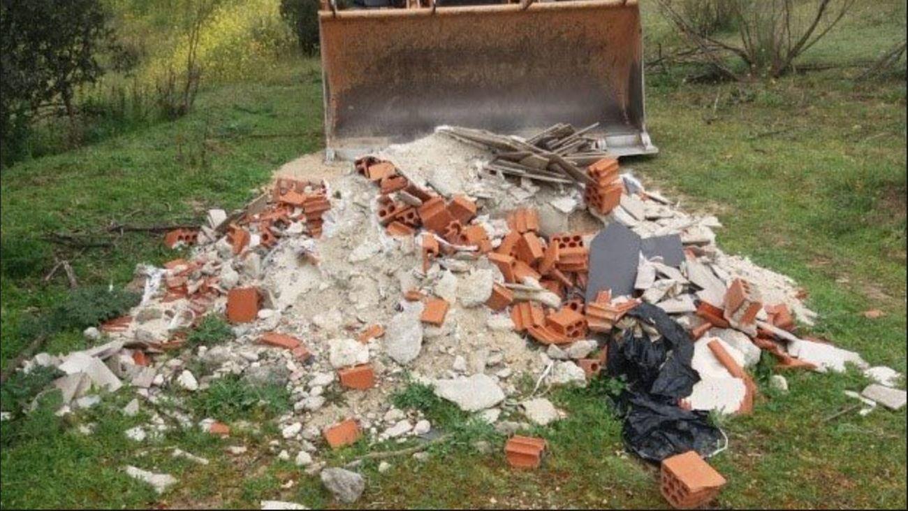 Vertido de escombros