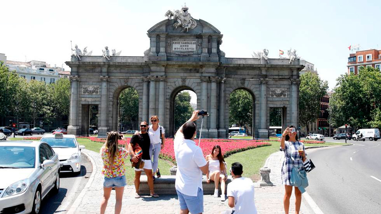 Ayuso propone una campaña para fomentar este verano el turismo en Madrid