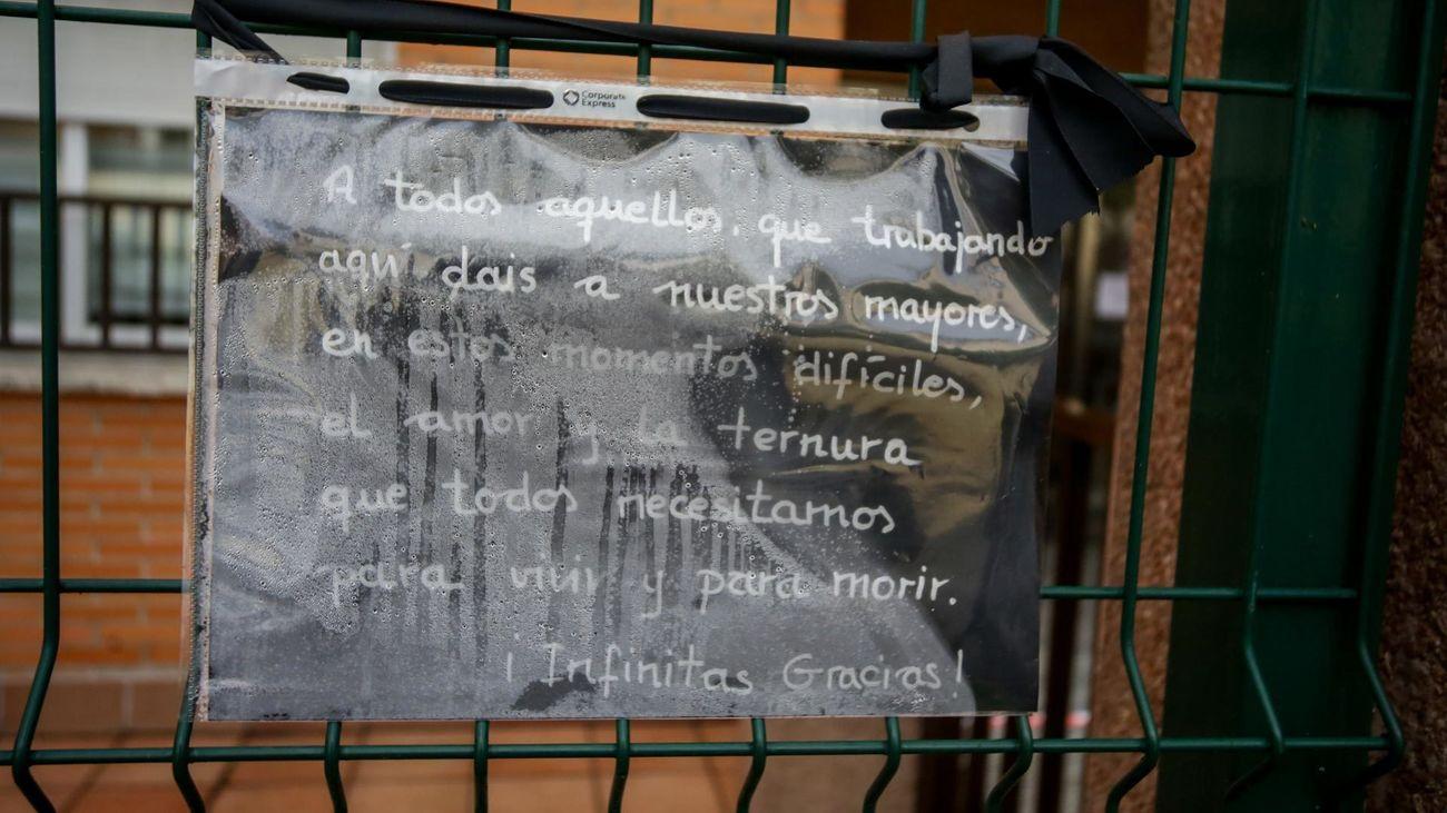 Cartel en la entrada a la residencia de mayores Asispa - Las Azaleas