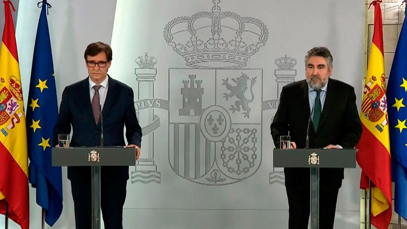 El ministro de Sanidad, Salvador Illa  y del ministro de Cultura y Deporte, José Manuel Rodríguez Uribes