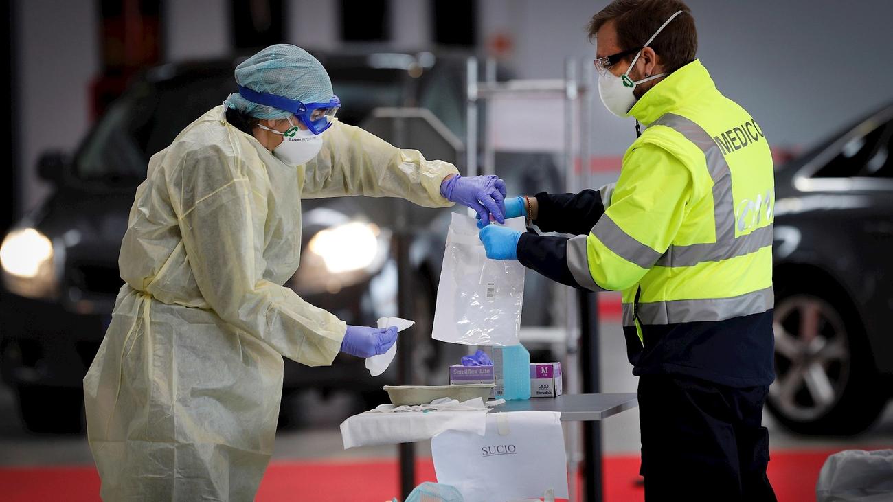 El virus retrocede en Madrid con menos muertes y el menor ritmo de contagios