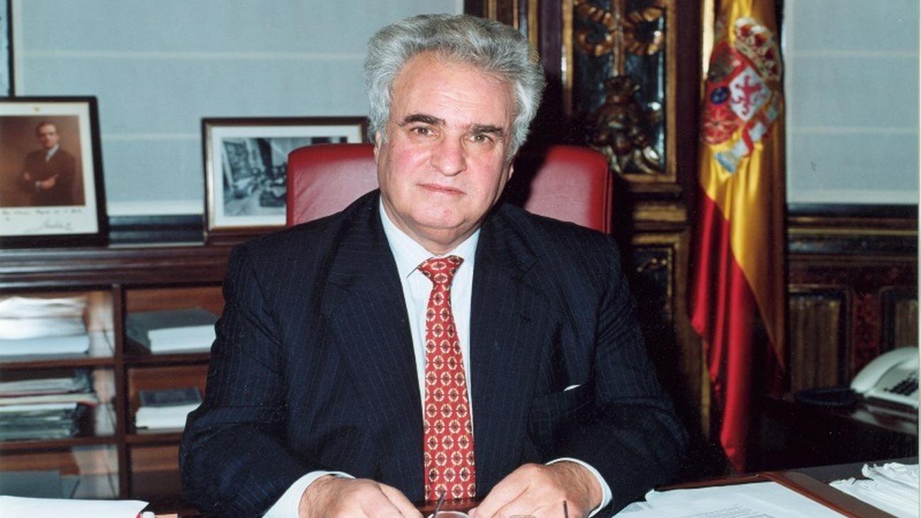 Enrique Múgica