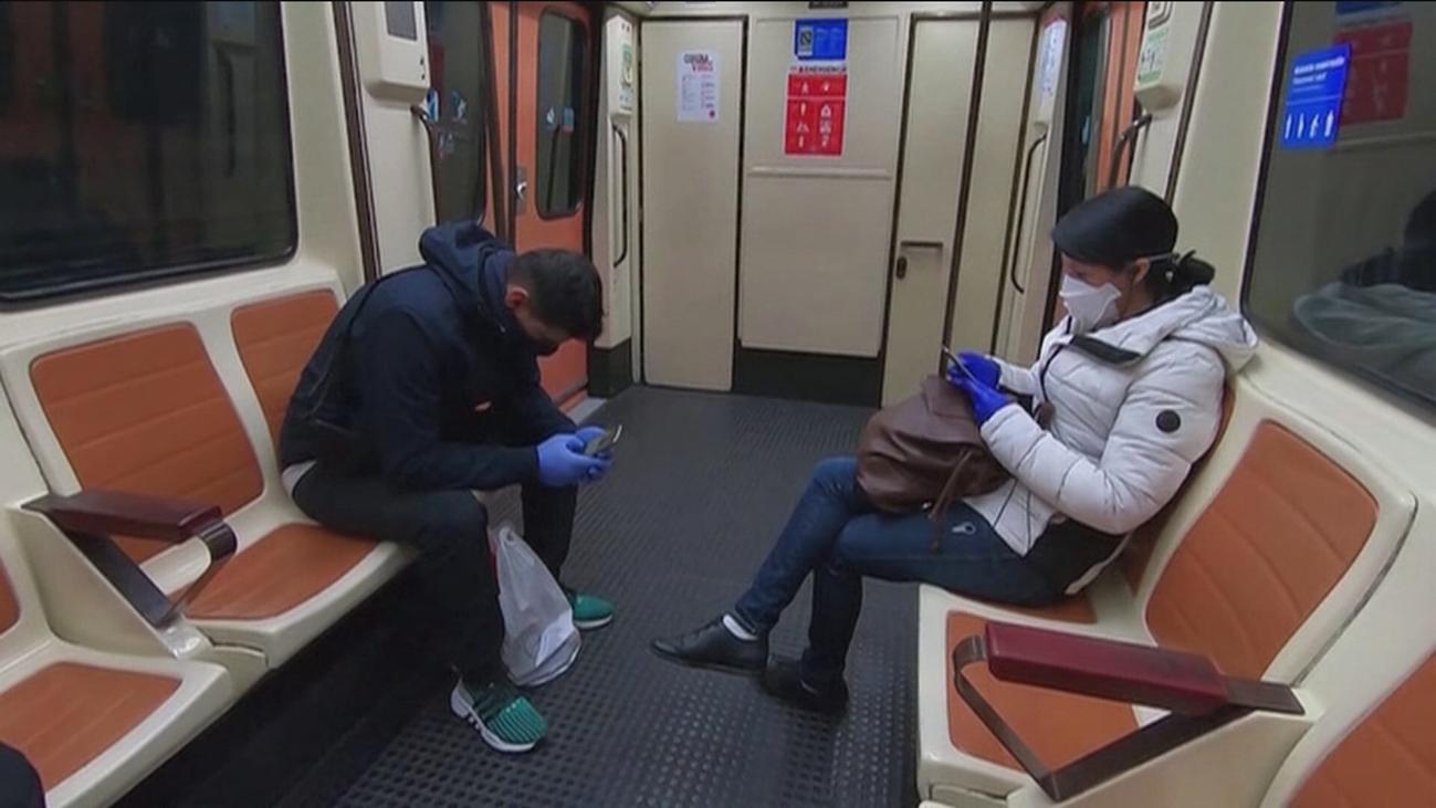 La Comunidad de Madrid  teme aglomeraciones en el transporte ante el anuncio del reparto de mascarillas