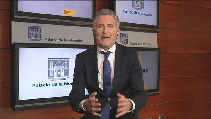 """Grande-Marlaska: """"En los próximos días, en todas las farmacias de España, se podrán adquirir mascarillas"""""""