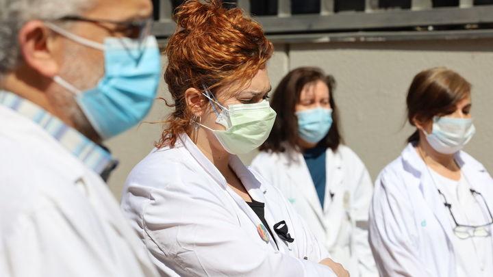 5.543 profesionales de la sanidad madrileña de baja por Covid-19