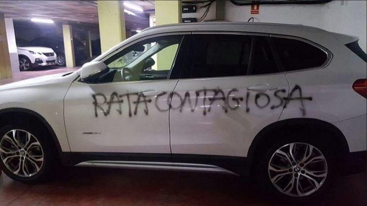 Pintan 'rata contagiosa' en el coche de una médica de Barcelona