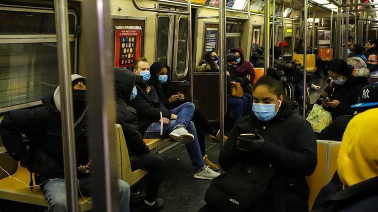 EEUU alcanza la cifra récord de más de 2.370 muertes por coronavirus en un día