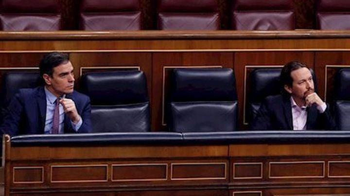 """Sánchez e Iglesias pactan poner en marcha en mayo el Ingreso Mínimo Vital, pero Escrivá dice que """"faltan flecos"""""""