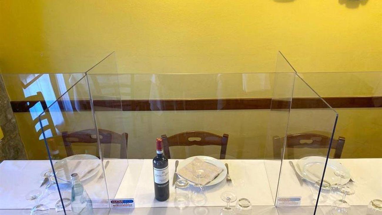 Láminas protectoras como opción para protegerse del coronavirus en los restaurantes