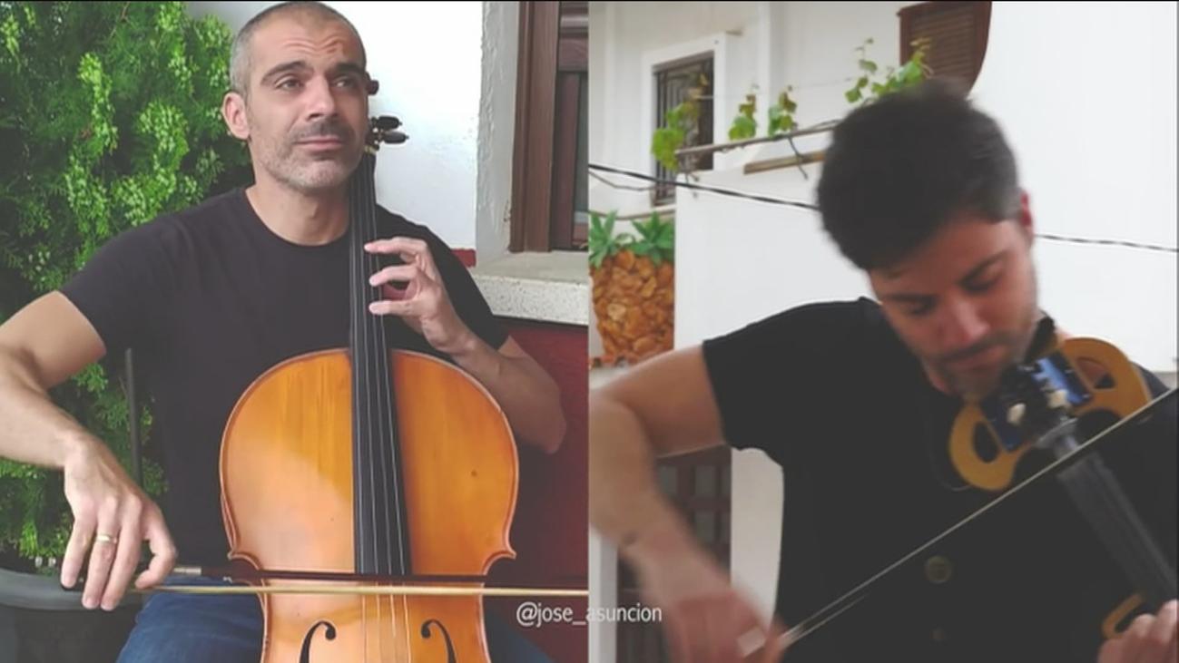 Dos hermanos unidos por la música y la solidaridad