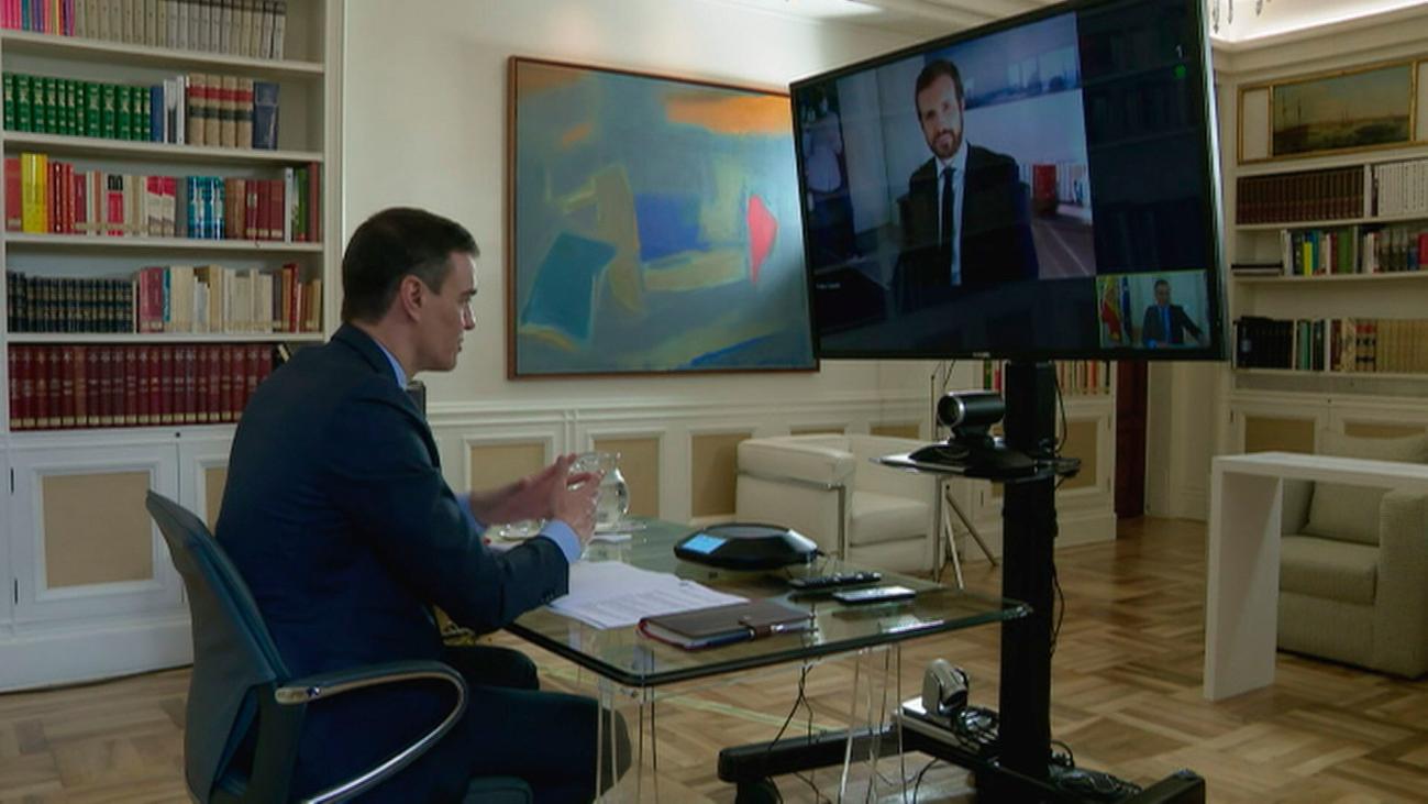 Sánchez y Casado acuerdan que el pacto se negocie en comisión parlamentaria