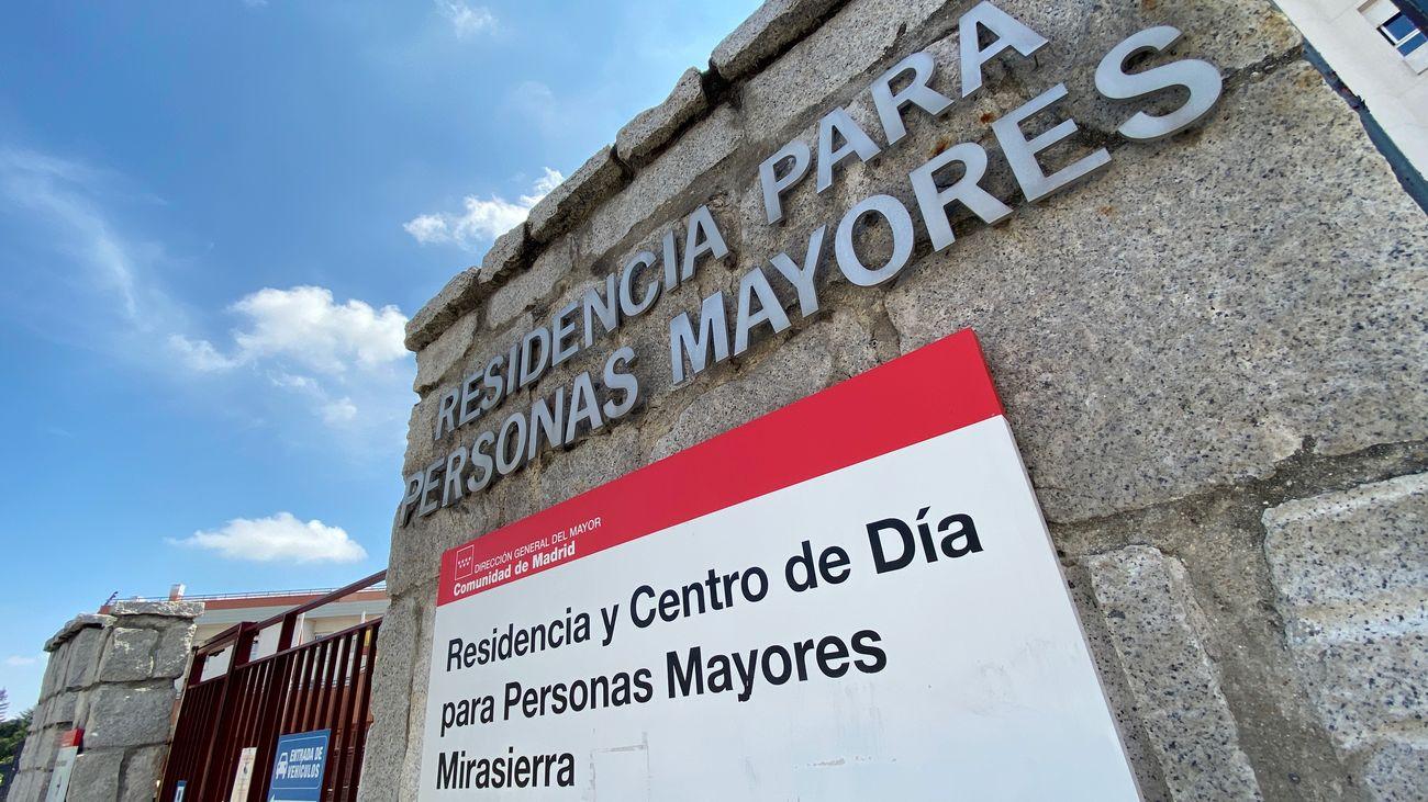 Entrada de la Residencia para Mayores DomusVi Mirasierra.