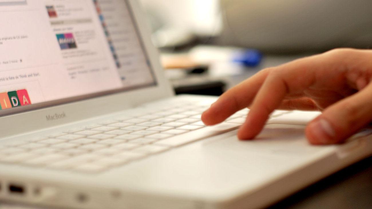 """Madrid prolonga sus cursos de formación """"online"""" para el empleo"""