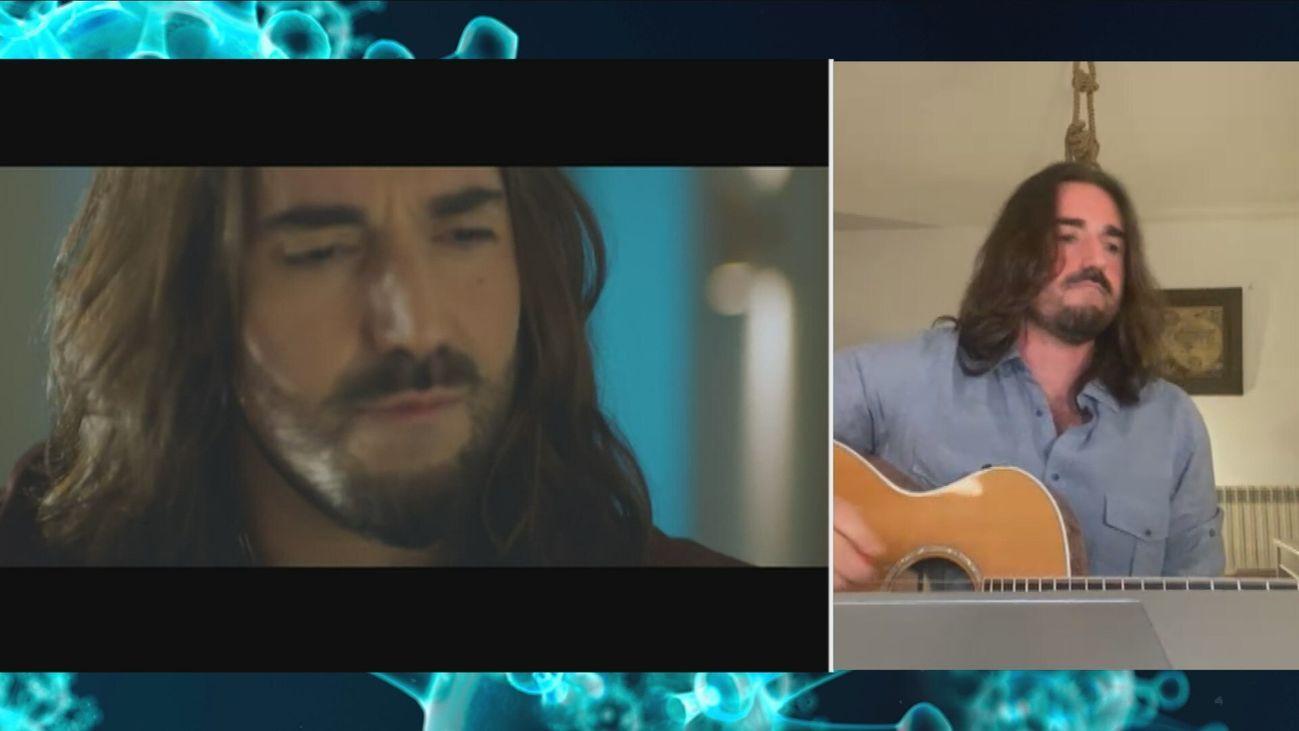 Andrés Suárez no ha podido sacar su nuevo disco por el coronavirus, pero sigue dando conciertos