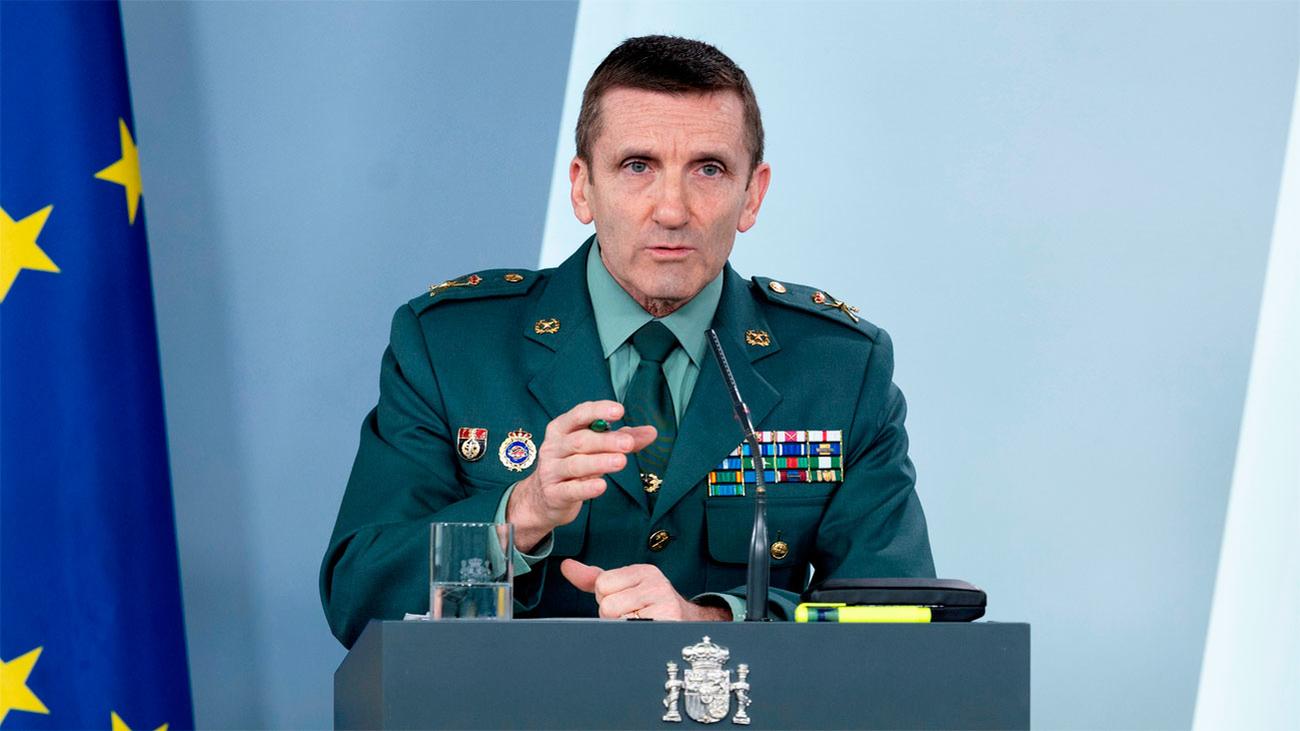 """El general Santiago se justifica sobre los  bulos y dice que no incluyen la """"crítica política"""""""