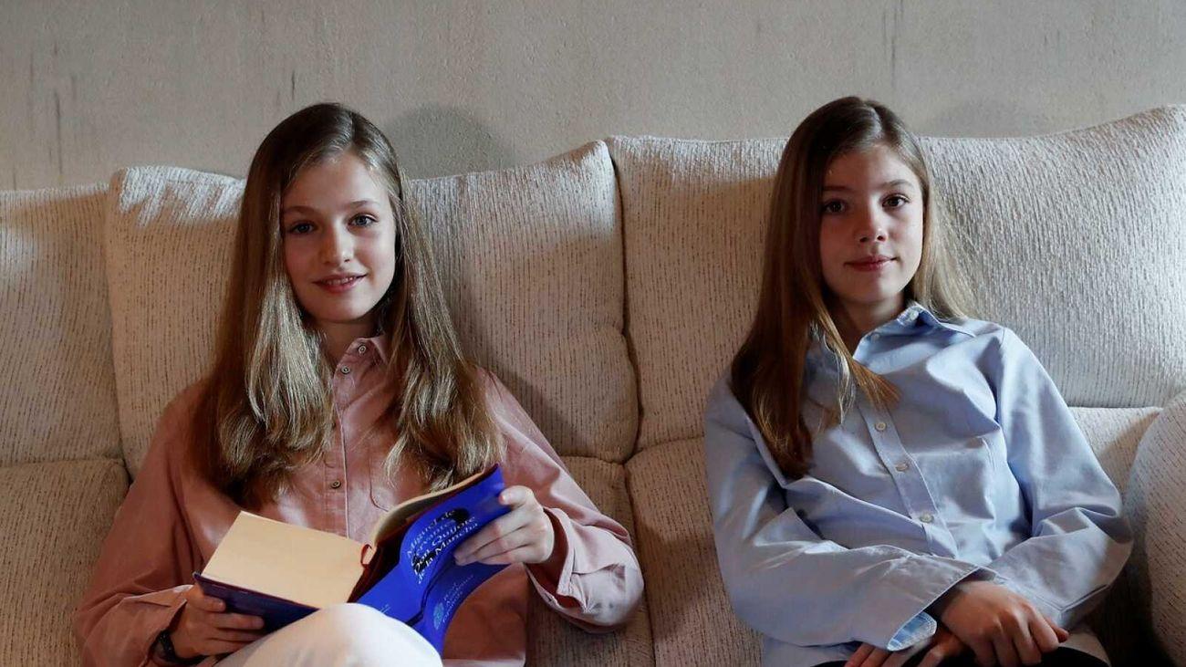 La  princesa Leonor y la infanta Sofía en la lectura virtual del Quijote