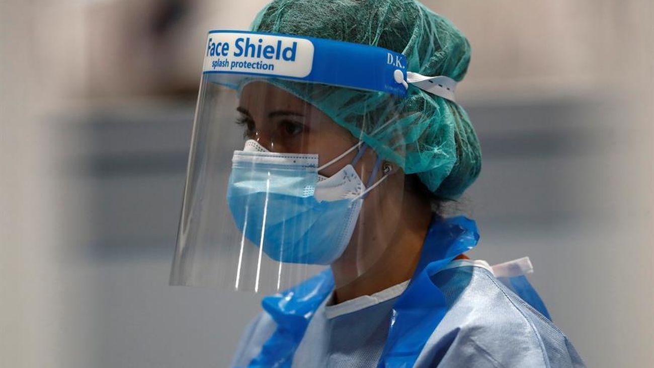 El TSJM da 72 horas a Sanidad para evaluar las EPIs que deben otorgar a sanitarios