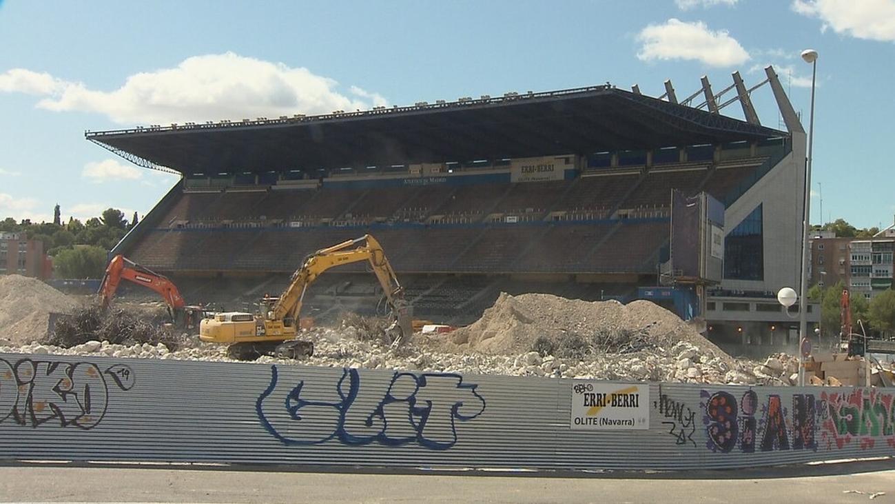 """Hartos de las obras de demolición del Calderón: """"Es insoportable"""""""